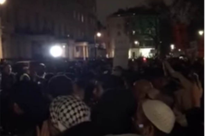 VIDEO: 1000 Muslims block London streets chanting Allahu Akbar to demand Islamic caliphate - The Geller Report